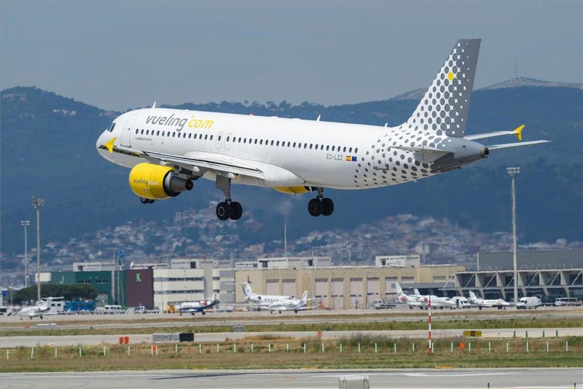 Un avión de Vueling en El Prat.