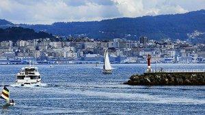 Barcos en el puerto pontevedrés de Cangas.