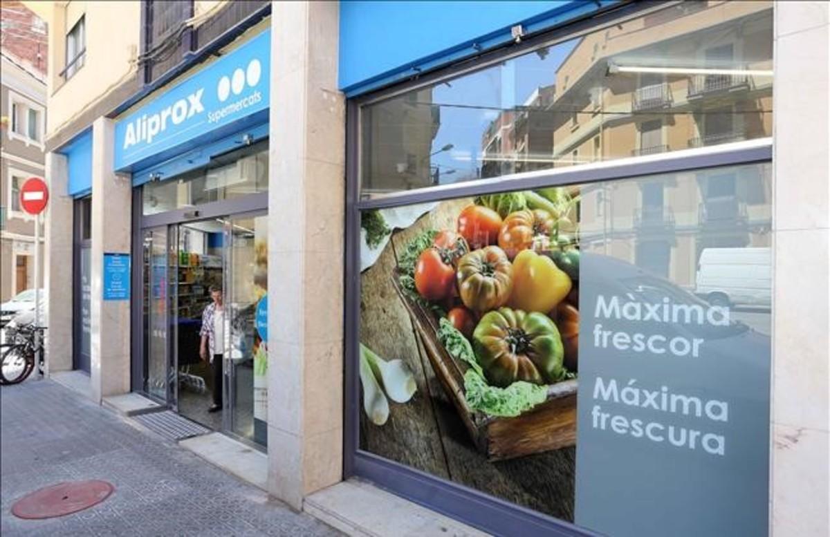 Tienda de Caprabo en el barrio de Sants de Barcelona.