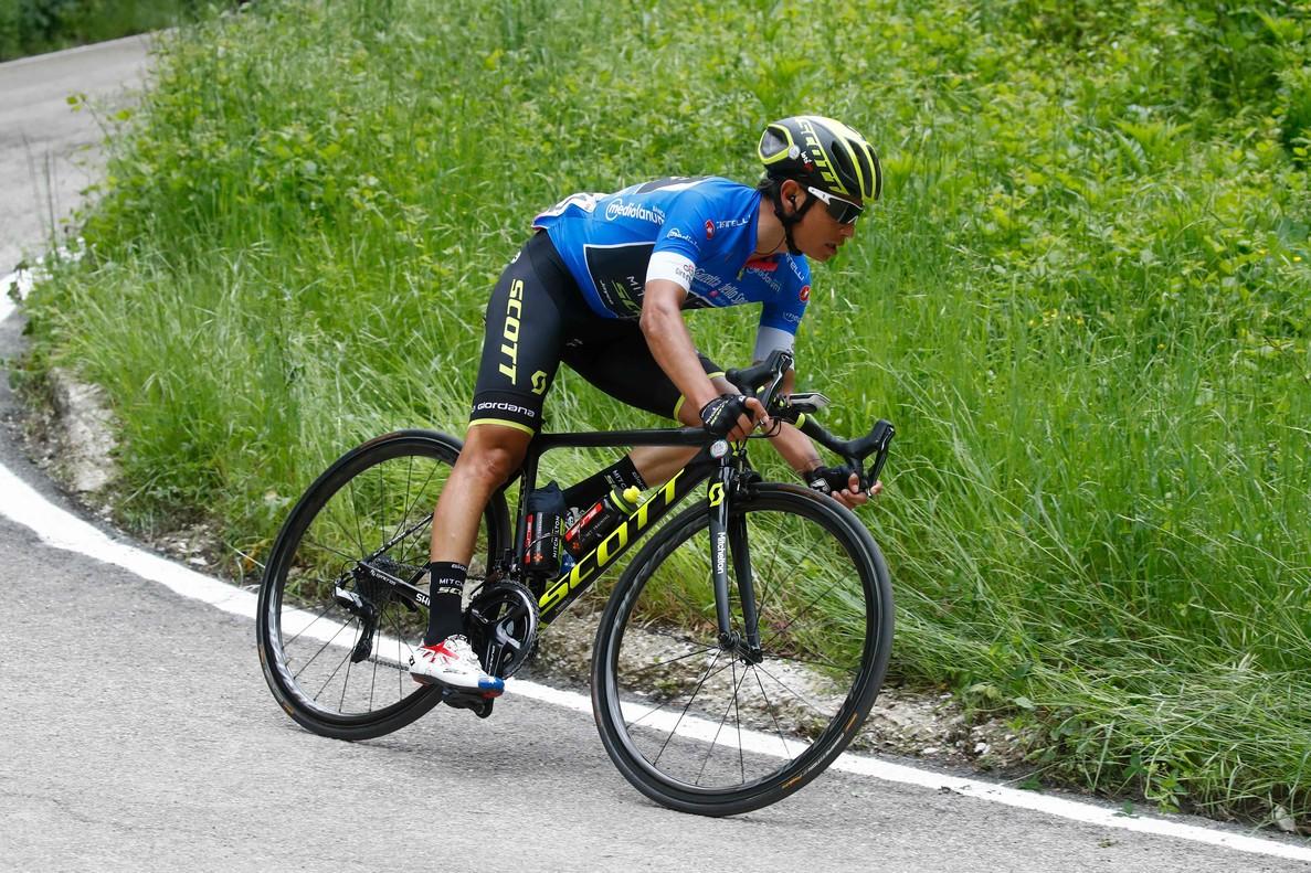 Esteban Chaves, durante la décima etapa del Giro.