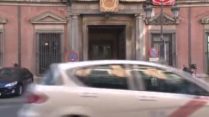 Los miembros del Consejo de Estado llegan a la sede para elaborar el informe que avalará el recurso de inconstitucionalidad contra la declaración independentista.