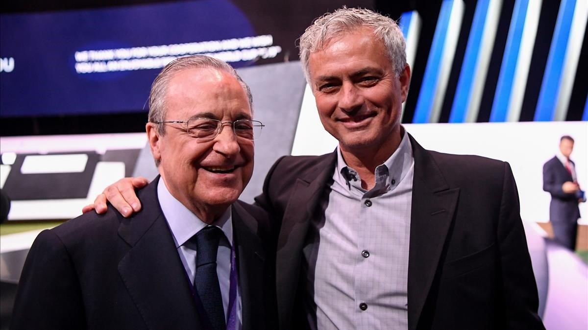 Florentino y Mourinho, en el congreso de la FIFA en París.