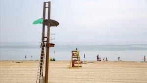 Foto de archivode una playa catalana, este verano