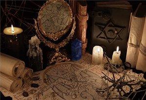 """""""Fui a una reunión de una secta satánica y los canapés estaban malísimos"""""""