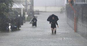 Las precipitaciones podrían superar los 1.000 milímetros por metro cuadrado hasta la medianoche en la región central de Tokai.