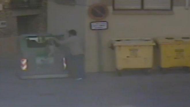 Un hombre mata a su perro a golpes y mete el cadáver en un contenedor, en La Rioja.