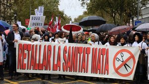 Manifestación de médicos en la primera jornada de huelga en la atención primaria catalana.