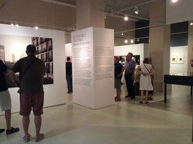 Aspecto general de la exposición 'La ciutat dels passatges'.