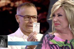 A Lydia Lozano se le cae supuestamente una tarjeta que anunciaba una oferta para divorciarse