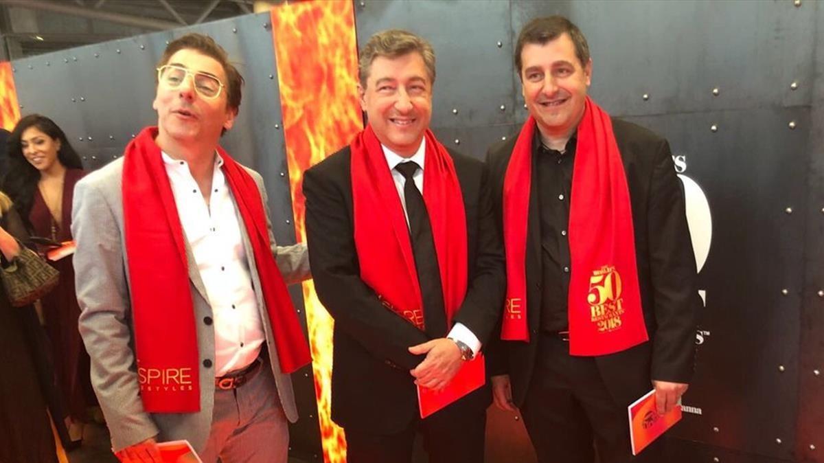 Jordi, Joan y JosepRoca, antes de la ceremonia celebrada en Bilbao.