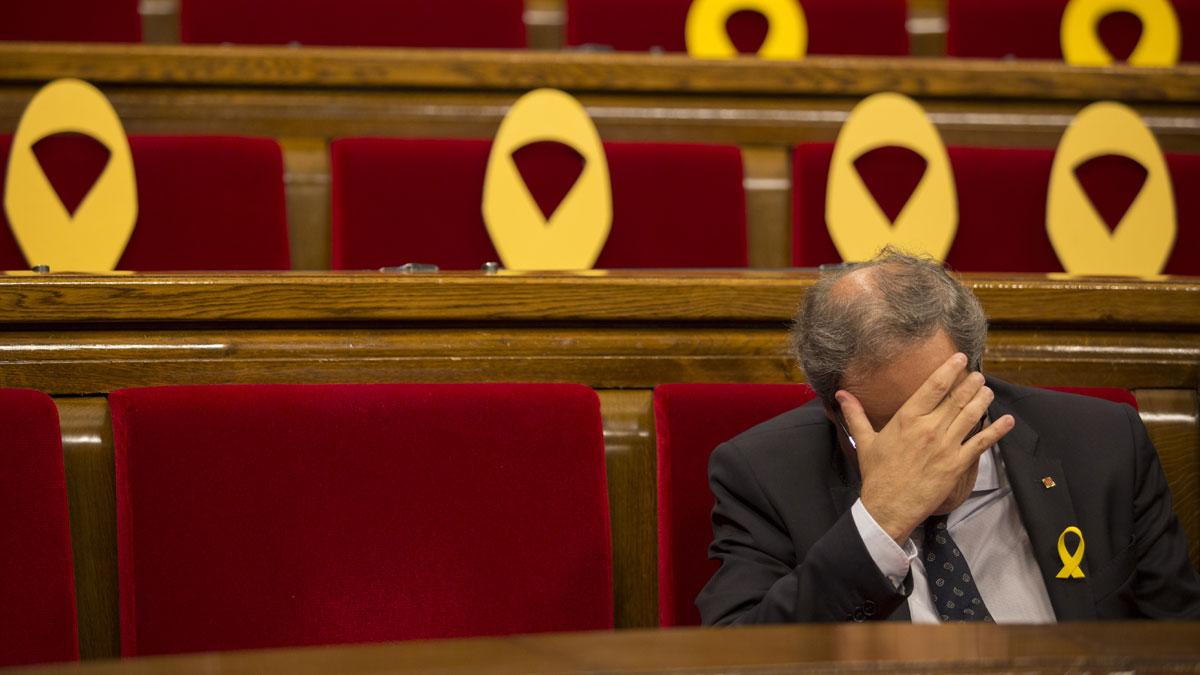 Mañana de pasillos y despachos en el Parlament
