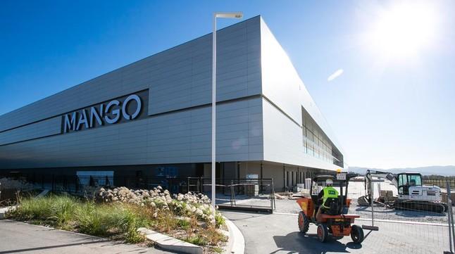 MANGO. Últimas obras en el centro logístico de Lliçà d'Amunt.