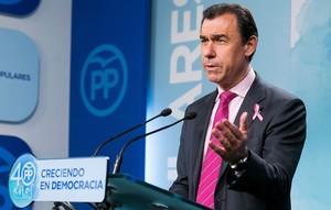El coordinador general del PP Fernando Martínez-Maíllo durante su comparecencia en la sede de la calle Génova.