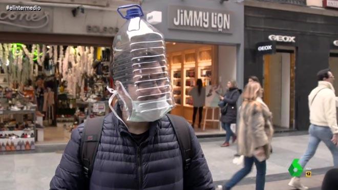 Método garrafa de plástico en la cabeza.