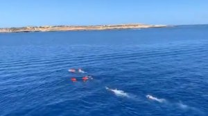 Un barco amb 57 migrants atraca sense problemes a Lampedusa