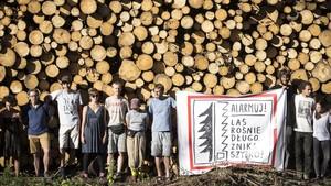 Protesta por la tala de árboles del bosque de Bialowieza el pasado mes de agosto.