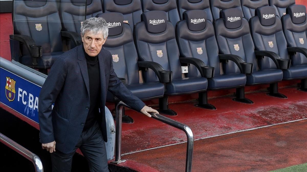 Quique Setién, en el Camp nou, en su presentación, como entrenador del Barça.