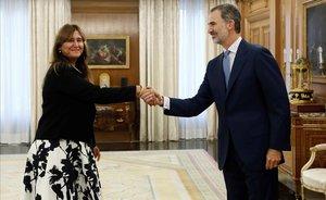 El rey Felipe VI recibe a Laura Borràs en la Zarzuela.