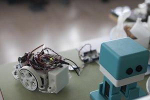 Parets inclou per primera vegada la robòtica a l'aula