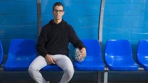 Salah, en el banquillo del club Pere Gol de Badalona, el miércoles pasado.