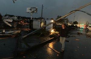 Desde Meteorología no descartaron que se trate de una tromba marina que ingresó a tierra formando un tornado.