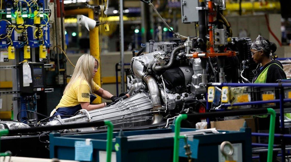 Unos 50 mil empleados de GM van a la huelga en EU