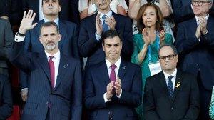 Felipe VI, Pedro Sánchez y Quim Torra, el pasado 22 de junio, durante la inauguración de los Juegos Mediterráneos en Tarragona.