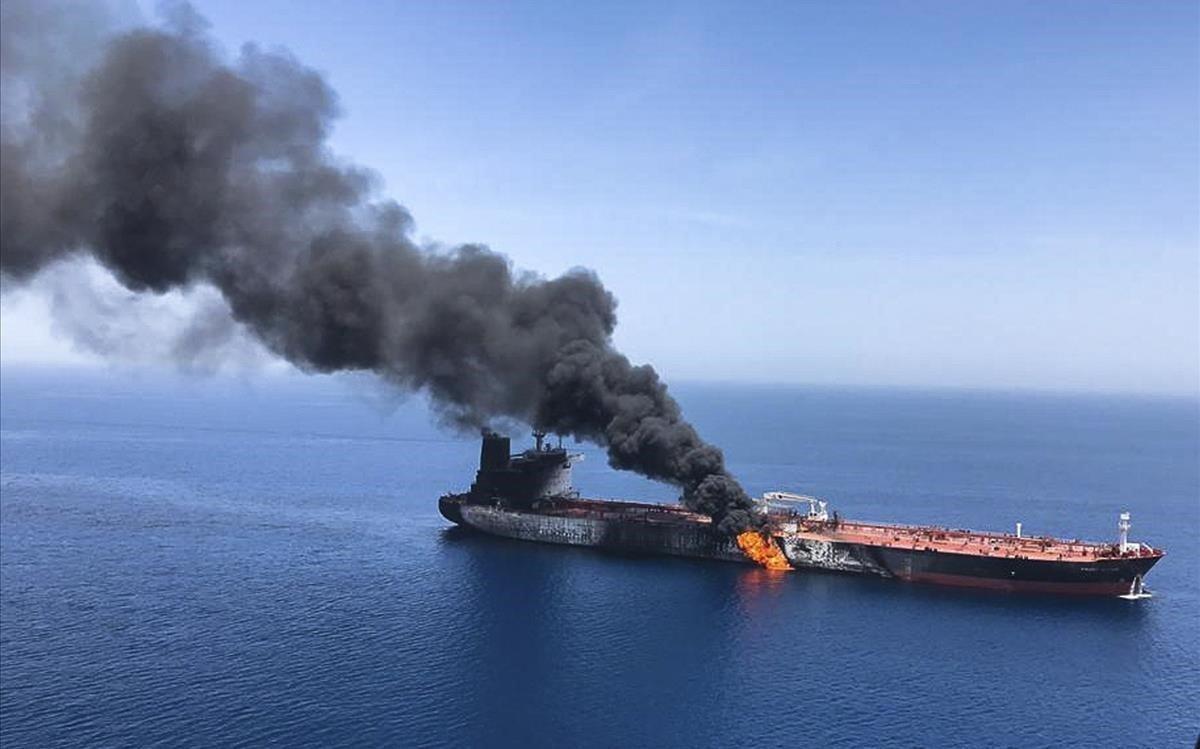 Uno de los petroleros atacados en el golfo de Omán.