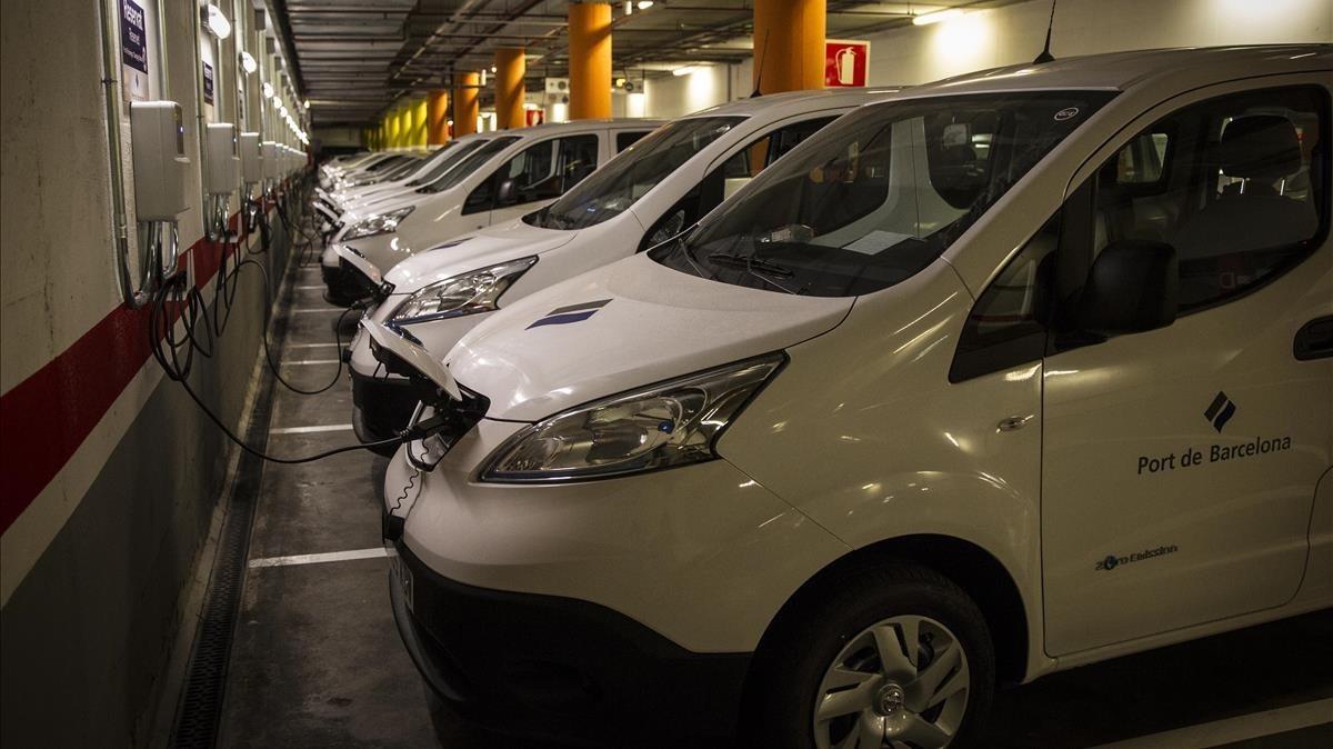 Nuevos vehículos eléctricos adquiridos por el Port de Barcelona.