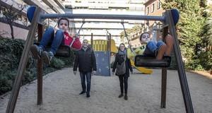 Ugo Bandettini, Anna Olivella y sus hijos Luca y Marc.