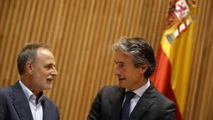 L'oposició demana el cap del president d'Aena pel caos del Prat