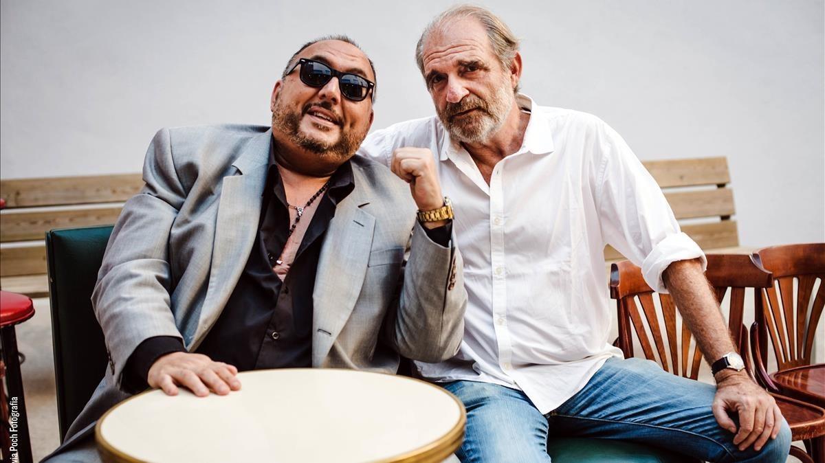 El rumbero Petitet y el realizador Carles Bosch.