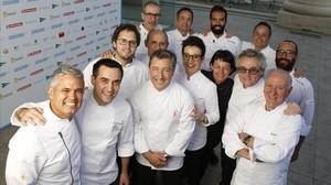 Los cocineros participantes en el Sopar de lAny.