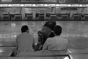 El aeropuerto de Barajas, en la huelga general del 14-D.