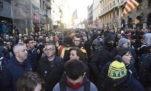 Dotze detinguts en les protestes dels CDR contra el Consell de Ministres a Barcelona