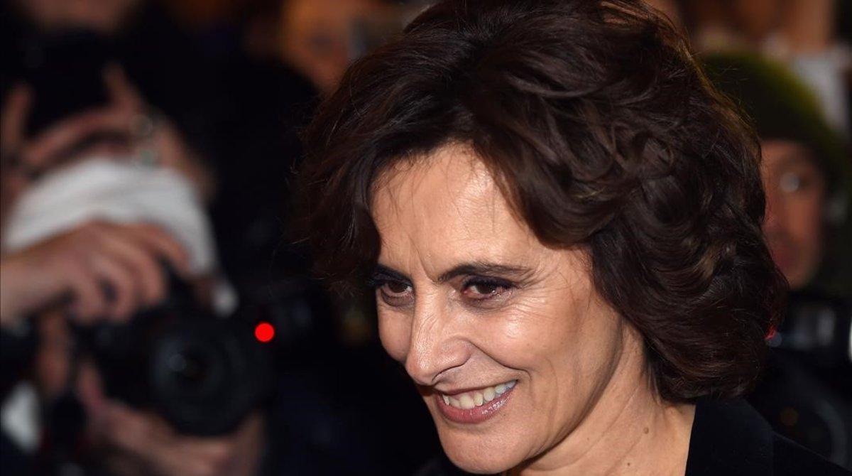 La modelo y diseñadora Ines de la Fressange llega al Châtelet.